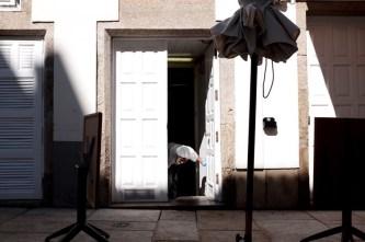 santiago de compostela worker door way