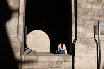 girl waiting in santiago de compostela