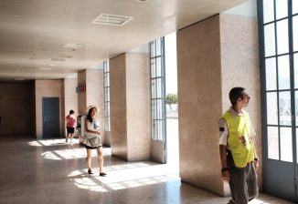 lisbon st apalonia train station people walking