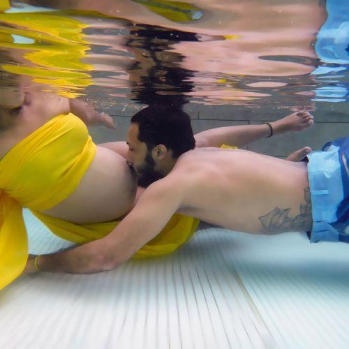 Sesion Fotografica de Embarazo Bajo el Agua foto de embarazadas en panama