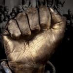 LIBERATION – Tous coupables face à l'esclavage / Dans un livre précis, Catherine Coquery-Vidrovitch dresse un panorama complet des «traites africaines» qui allaient alimenter en main-d'œuvre servile le Proche-Orient et les deux Amériques