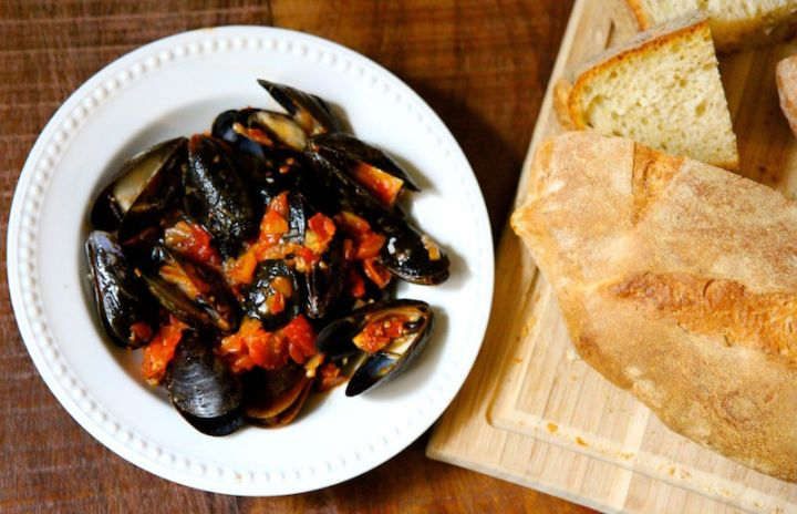 Mussels with White Wine, Lemon and Chorizo - dairy free gluten free and ready in 15 minutes! Christy Brissette media dietitian 80 Twenty Nutrition