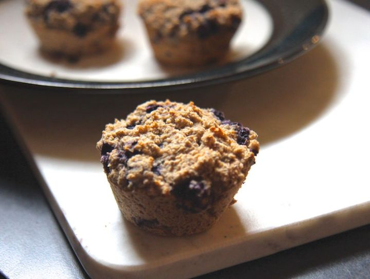 Blueberry Oat Bran Muffins - Vegan, Low Carb and Gluten-Free! Recipe by media registered dietitian nutritionist Christy Brissette, President of 80 Twenty Nutrition