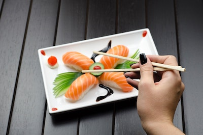 Healthy sushi to order from a dietitian - Christy Brissette media registered dietitian nutritionist, President of 80 Twenty Nutrition Chicago sashimi what to order at a sushi restaurant omega-3s