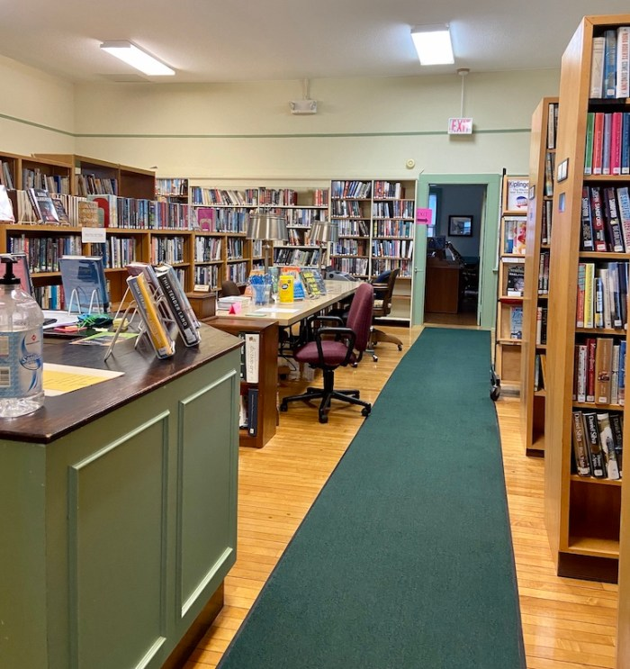 East Glastonbury Library Adult Books and Circulation Desk