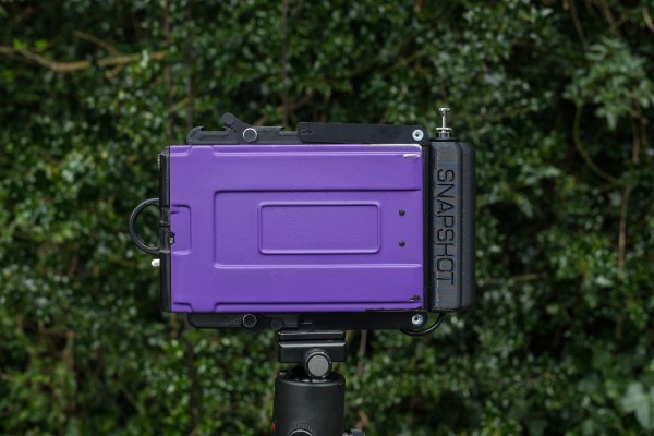 Grafmatic holder secured by Graflok cams