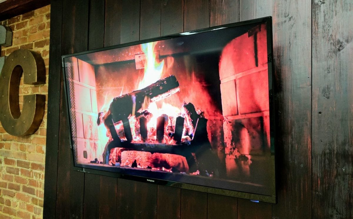 Use Your Chromebook To Enable Google Play Music Yule Log