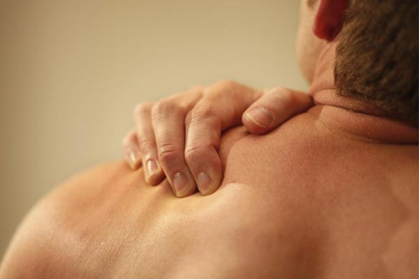 Shoulder Blade Pain When To Get Help Chronic Body Pain