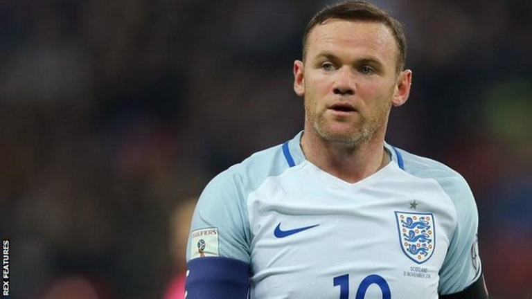 Wayne Rooney has apologized for drinking at a party