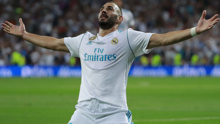 Karim Benzema extends Madrid contract