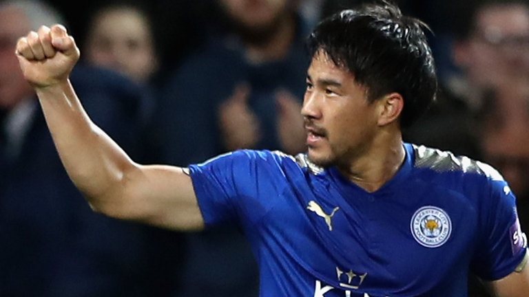 Okoazaki celebrates scoring the opener for Leicester