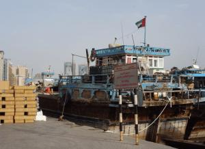 malgré l'embargo, de vieux rafiots iraniens accostent encore sur les quais...