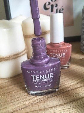 vernis maybelline tenue & strongpro