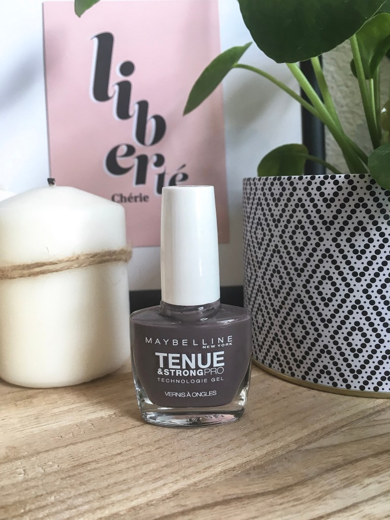 Vernis à ongles Maybelline tenue & strongpro huntress