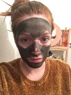 masque au charbon fkare durant la pose