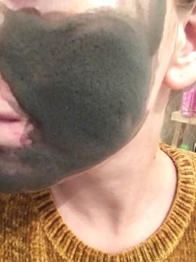 Utilisation du masque à bules charbon de Fkare