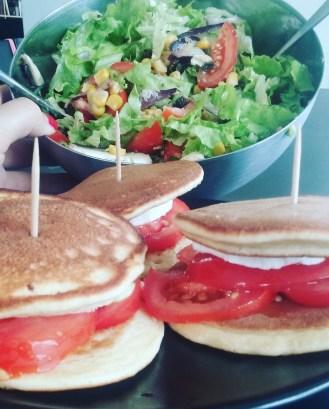 Croc pancakes et salades