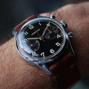 LEONIDAS chronographe style militaire, cal. Venus 188, circa 1950. Crédit : Fred Chrono.