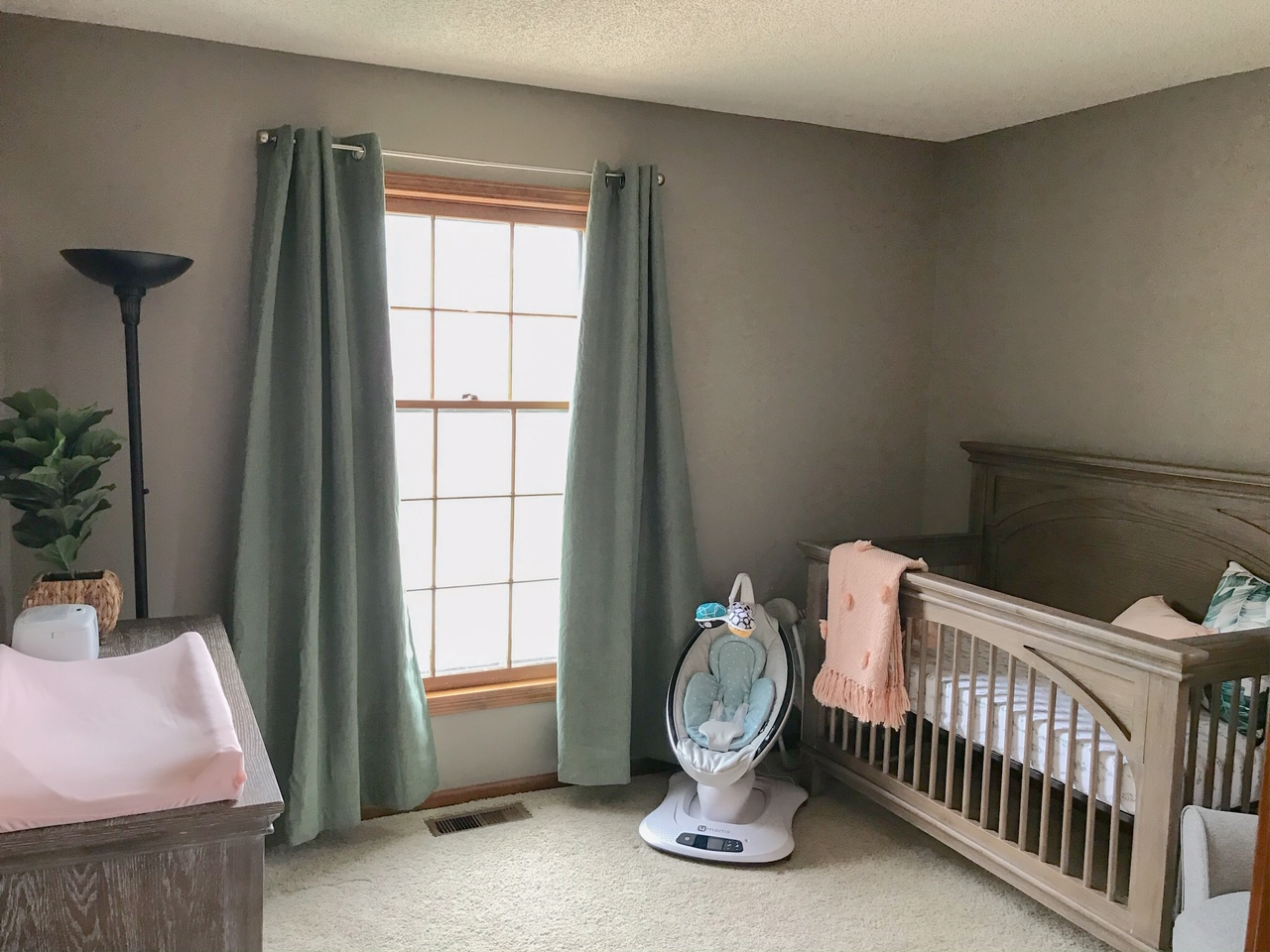 gender-neutral nursery decor