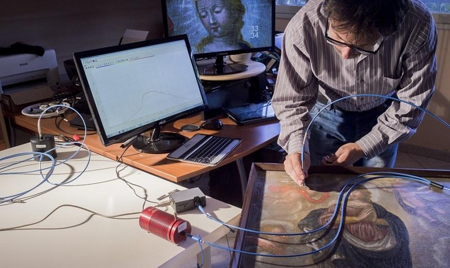FORS, Fiber Optics Reflectance Spectroscopy con gli spettrometri miniaturizzati per l'identificazione dei pigmenti Archeomatica 2014