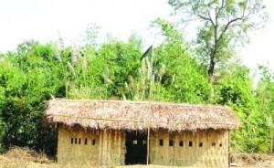 সাজেকের মাচলংয়ে গ্রামবাসীর স্বেচ্ছাশ্রমে গড়ে তোলা বিদ্যালয়