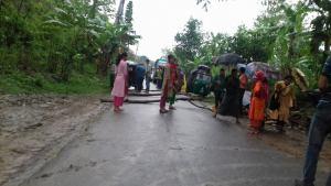 roadblocked rangamati-khg road