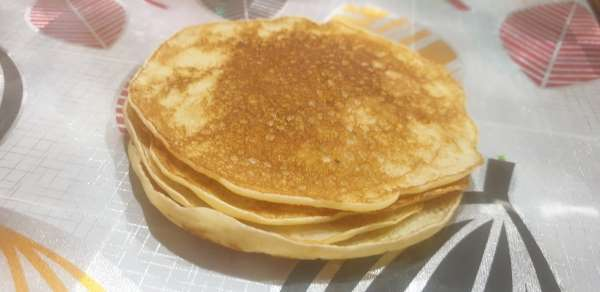 Yksinkertainen resepti, jossa on reikiä ilman munia