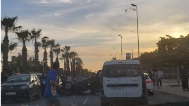 اكادير:إنقلاب سيارة أمام كلية الأداب والعلوم..صورة
