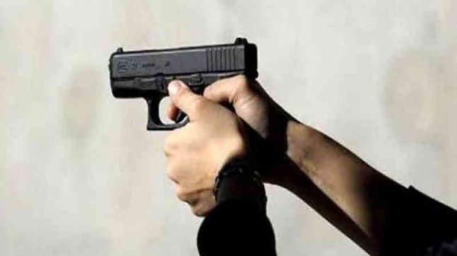 بعد إشهار مقدم شرطة سلاحه الوظيفي بمدينة الداخلة.. ولاية الأمن تصدر بلاغا بهذا الخصوص