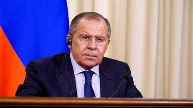 وزير الخارجية الروسي يحل بالجزائر.. وقضية الصحراء حاضرة في جدول أعمال الزيارة..