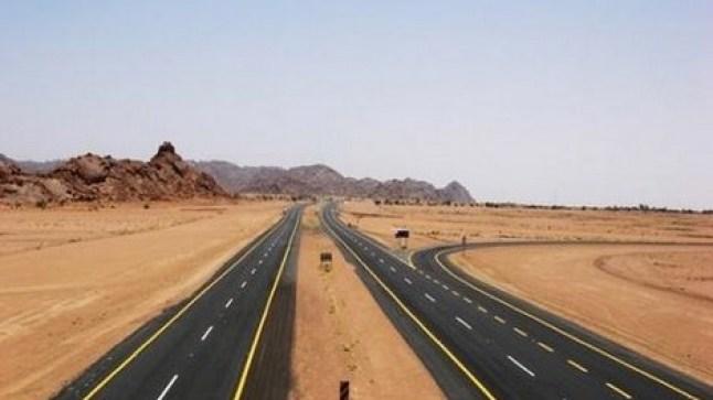 الكاتب العام لوزارة التجهيز والنقل يدلي بمستجدات حول الطريق الرابط بين تيزنيت والصحراء..