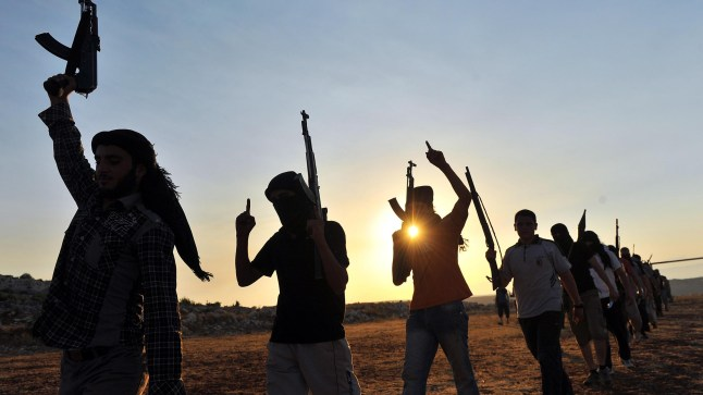 أمريكا تكشف عن وجود 153 داعشيًا مغربيًا في قبضة سوريا!