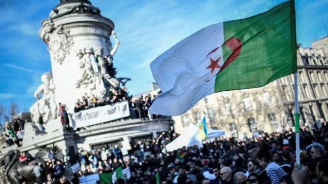 """رغم استقالة بوتفليقة.. الجزائريون يستعدون لمسيرة """"الجمعة السابعة"""" من الاحتجاج.."""