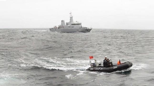 الداخلة: البحرية تنقذ 14 شخصاً من الغرق بعد تعرض مركب سياحي للغرق