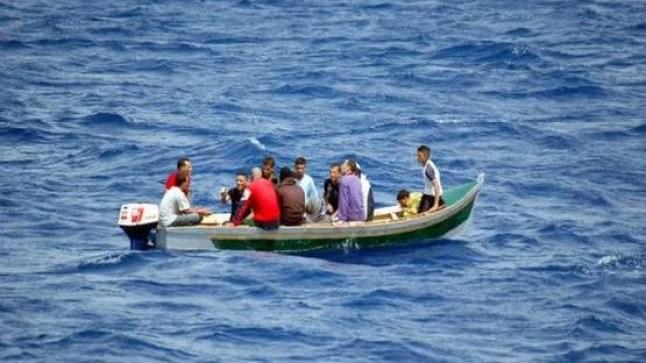 الداخلة: توقيف 16 مهاجرا سرياً على متن قارب للصيد!