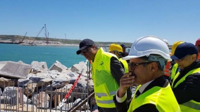 الحكومة تستثمر 1000 مليار لبناء ميناء الداخلة..