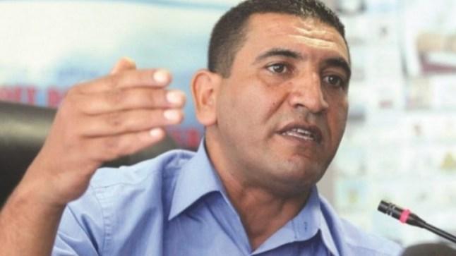 رهن الإعتقال.. أحد أبرز وجوه المعارضة في الجزائر كريم طابو