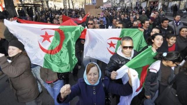 للجمعة 33 على التوالي..الجزائريون يواصلون الاحتجاج ويخرجون إلى شوارع العاصمة..