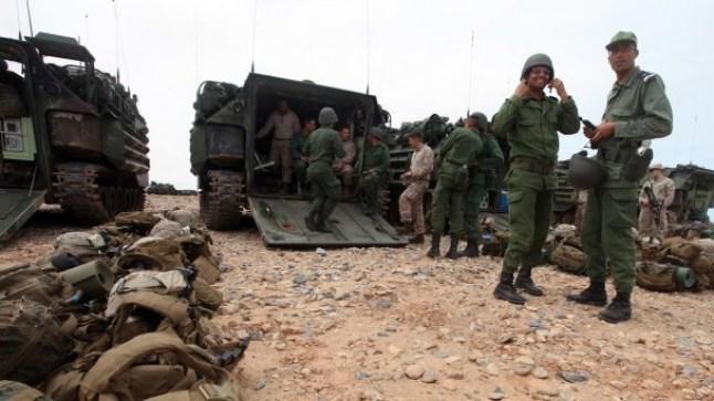 الجيش المغربي يحرك أسلحة ثقيلة قرب الحدود مع الجزائر..