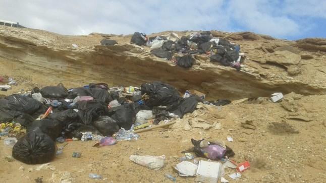 كارثة بيئية! هذا ما خلفه مخيم أمير سعودي لساكنة بوجدور