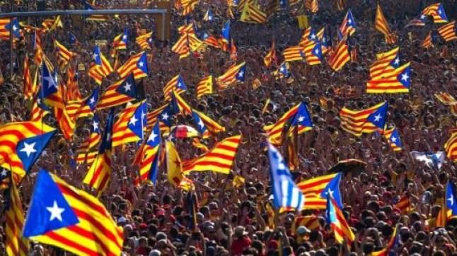 إسبانيا ترحل مغاربة شاركوا في مظاهرات متضامنة مع انفصاليين كطلان
