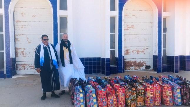 """وتستمر المبادرات النبيلة. """"علي خيا"""" رئيس جماعة لمسيد ببوجدور يتكفل بخمسين أسرة ويتخلى عن تعويضات شهر مارس للمعوزين"""