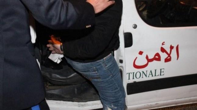 أمن العيون يوقف قاصرا بتهمة كسر واجهة محل والسرقة..