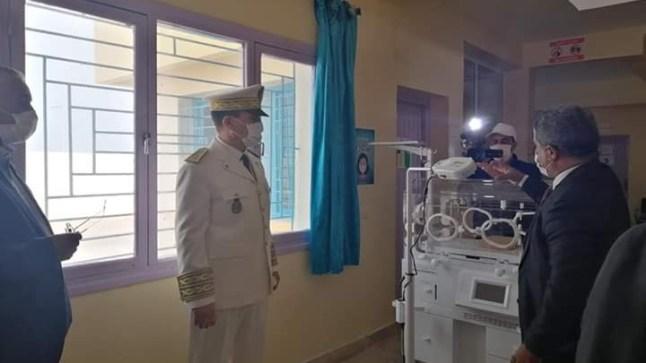 دعما للأجيال الصاعدة عامل بوجدور يسلم معدات للمستشفى الإقليمي ببوجدور