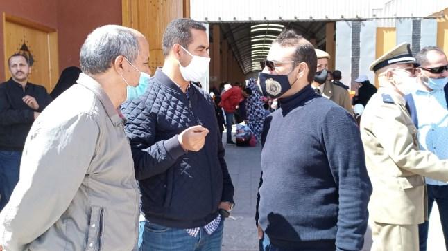 """ساكنة العيون تشيد بعمل """"هشام بومهراز"""" رئيس الدائرة الثالثة بالإقليم"""