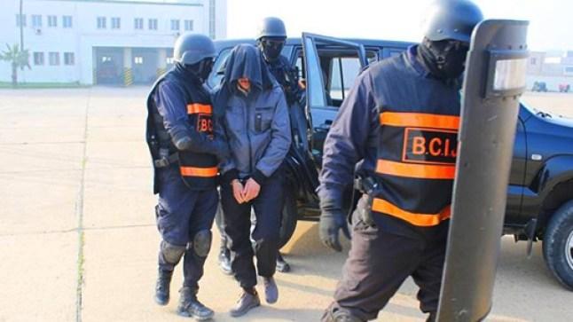 إحالة تلميذ هاجم شرطي أكادير على فرقة مكافحة الإرهاب!