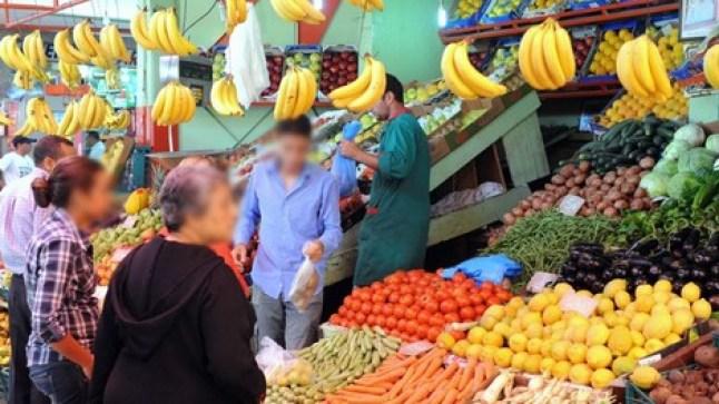 لجنة وزارية تقر بارتفاع أسعار الطماطم واللحوم البيضاء