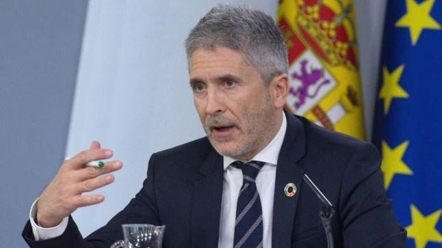 """وزير الداخلية الإسباني: ما حدث بسبتة ليس أزمة هجرة بل """"انتهاك للحدود"""""""