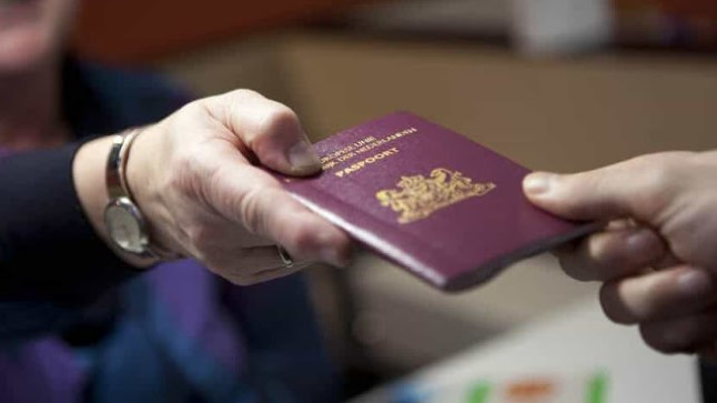 هولندا تسحب الجنسية من 6 مغاربة سافروا إلى سوريا