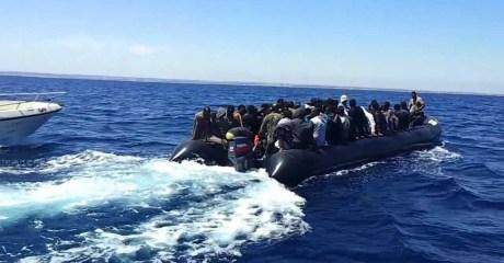 توقيف 58 مهاجرا افريقيا بسواحل بوجدور